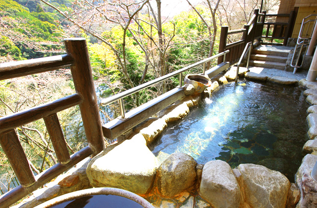 photo by 【信貴山観光ホテル】 公式ホームページ