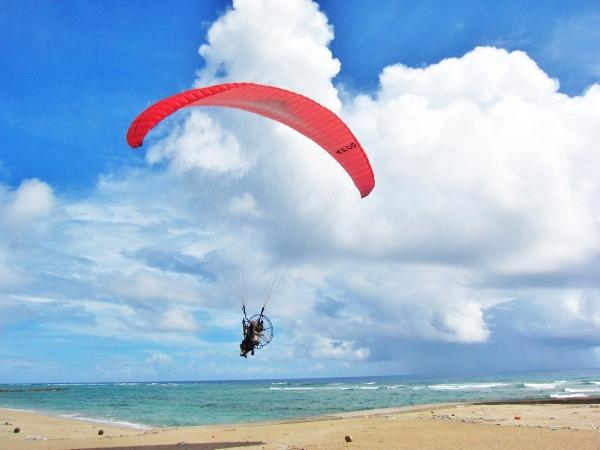 photo by 【奄美の青い海とサンゴ礁を楽しむ遊覧飛行!】タンデムフライト◆写真付き(鹿児島県・奄美大島)|そとあそび