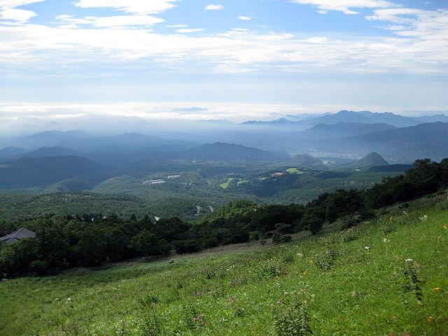 photo by 霧降高原 - Wikipedia