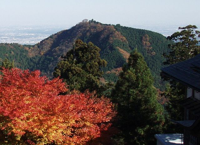 photo by File:Mt.Hinode.jpg - Wikimedia Commons