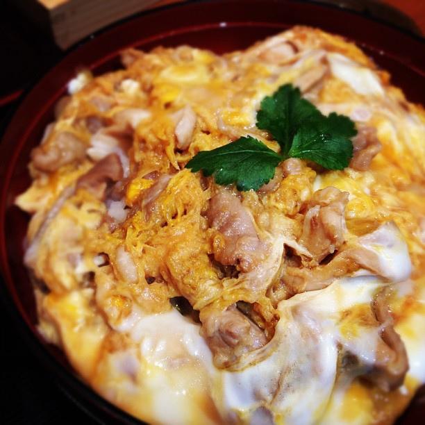 photo by せじゅんさんと、赤羽ご飯。今宵は名古屋コーチン親子丼。超美味いこれ。   Flickr - Photo Sharing!
