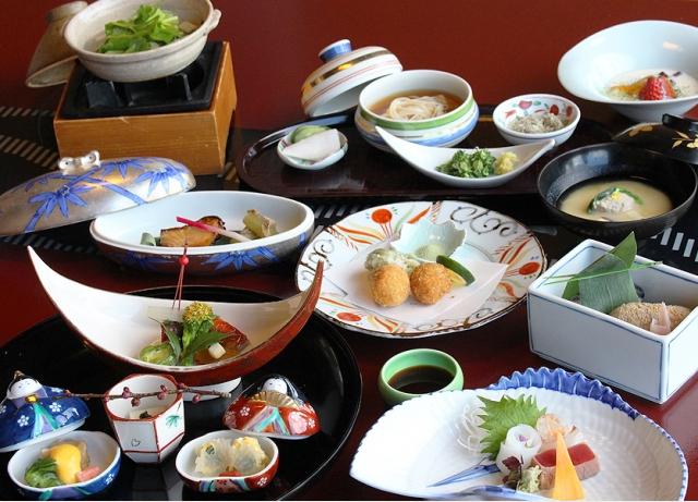photo by ホテル九重[浜名湖かんざんじ温泉]料理一例