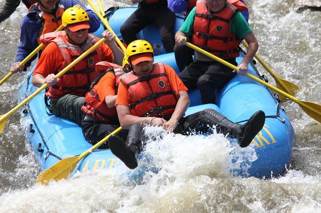 photo by 無料の写真: ラフティング, 川, いかだ, ボート, 水, アドベンチャー - Pixabayの無料画像 - 988012