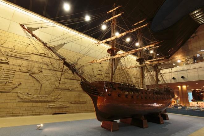 photo by 館内紹介 神戸海洋博物館