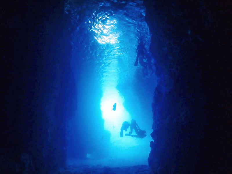 沖縄 恩納村 青の洞窟 シュノーケリング
