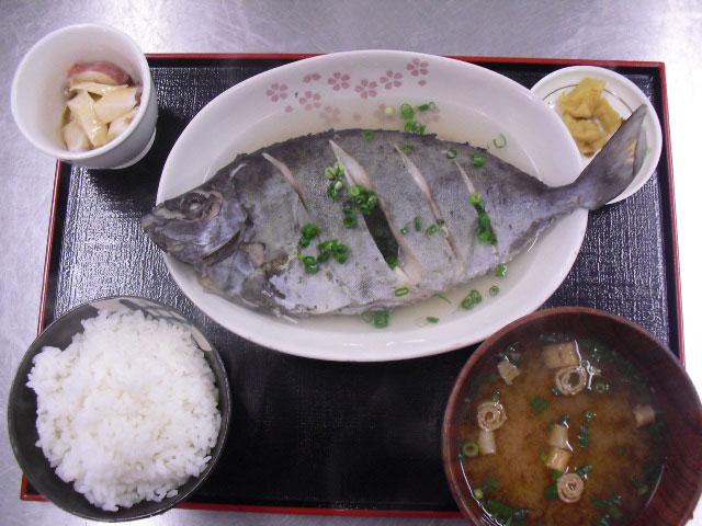 photo by 名護漁港水産物直販所