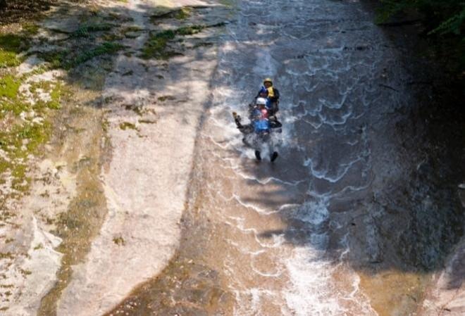 photo by 滑床渓谷キャニオニングツアー/フォレストキャニオン|そとあそび