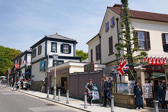 photo by Kitano Street Kobe02s3s4272 - 北野町山本通 - Wikipedia