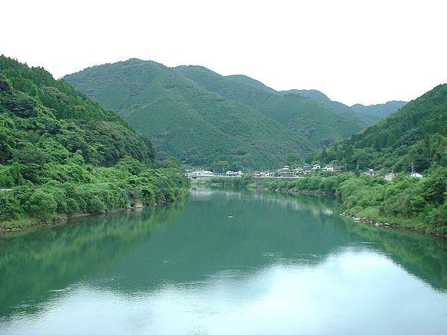 photo by Bakkai at Japanese Wikipedia