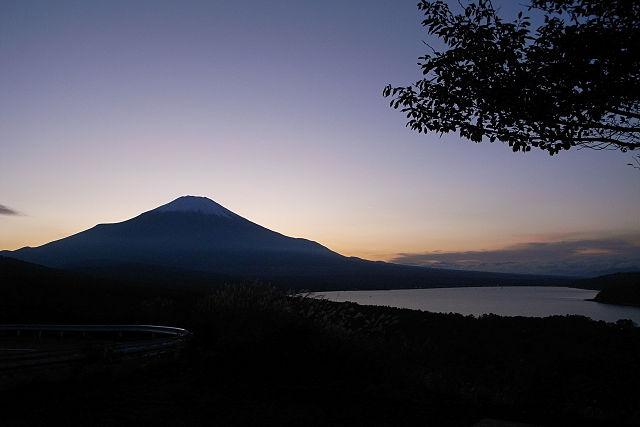 photo by 山中湖 - Wikipedia