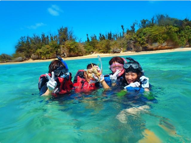 無人島でビーチシュノーケル!photo by そとあそび