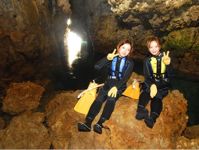 洞窟内部に潜入!photo by そとあそび