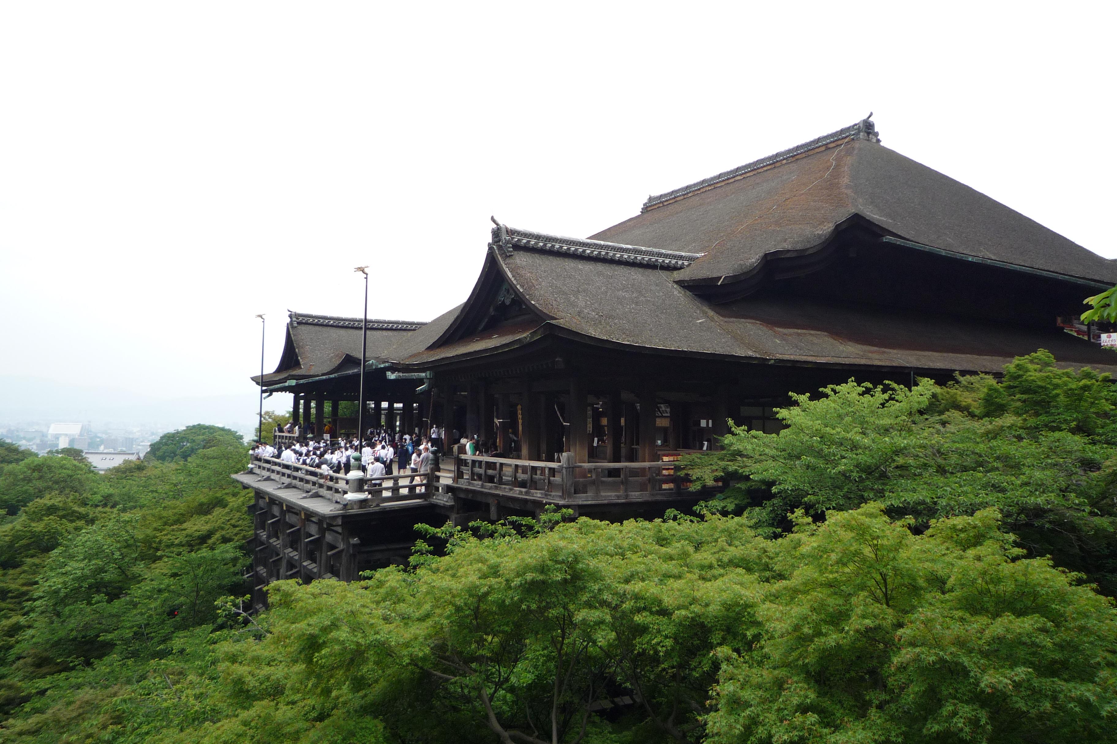 Kiyomizu-dera_in_Kyoto