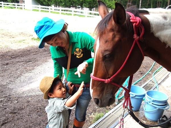photo by 《3歳~ご家族で楽しめる!森林トレッキング》 キッズ体験乗馬(馬場内レッスン10分/トレッキング20分) (山梨県・清里・小淵沢・八ヶ岳)|そとあそび