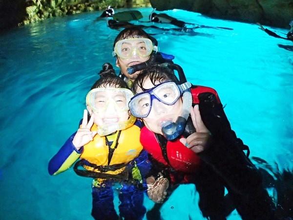 photo by 【1グループ貸切!】 シーカヤック&青の洞窟熱帯魚シュノーケル(沖縄県・恩納村) そとあそび