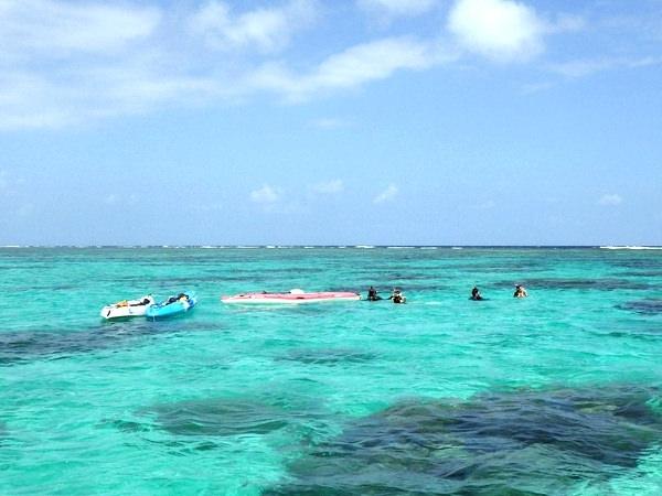 photo by 《半日(3時間)》 絶景川平湾で楽しむ!無人島カヤック&珊瑚礁シュノーケルツアー(沖縄県・石垣島)|そとあそび