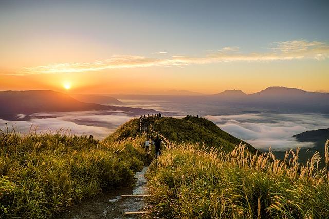 photo by 無料の写真: 日本, 熊本, カルデラ, 雲, 雲海, 阿蘇, 自然, 朝日, 太陽 - Pixabayの無料画像 - 970705