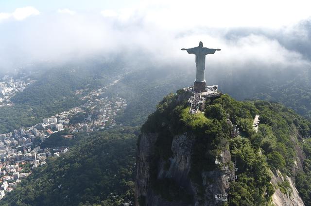 コルコバードの丘/リオデジャネイロ photo by digi009